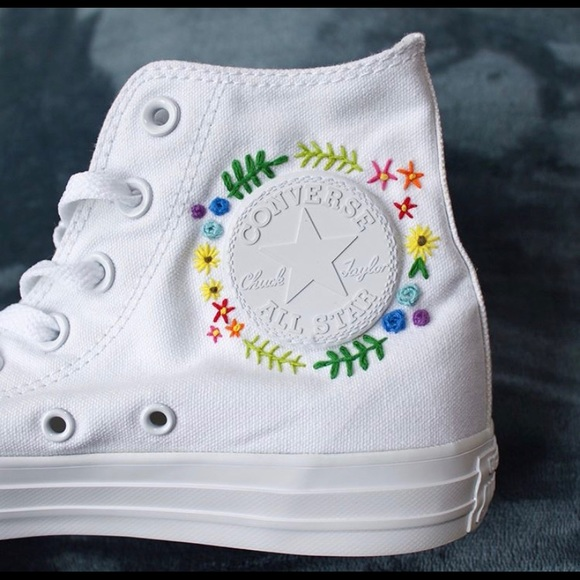 Hand embroidered converse </p>                     </div> 		  <!--bof Product URL --> 										<!--eof Product URL --> 					<!--bof Quantity Discounts table --> 											<!--eof Quantity Discounts table --> 				</div> 				                       			</dd> 						<dt class=